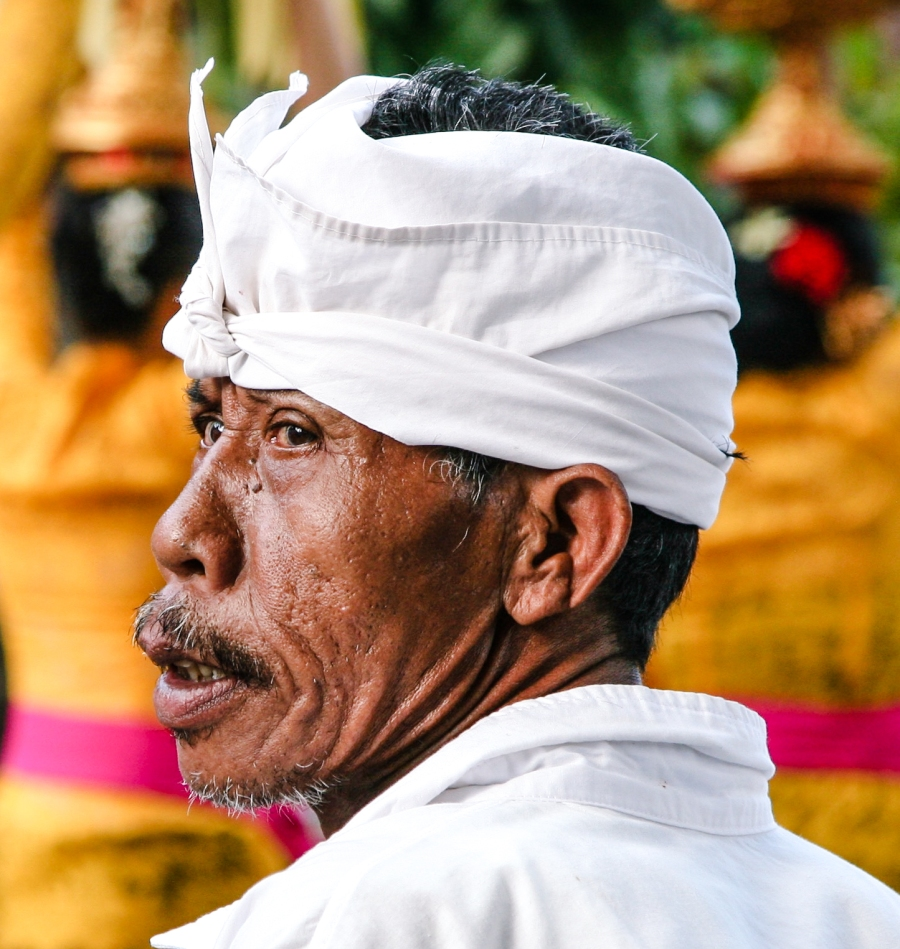 indonesian-man-at-hindu-festival